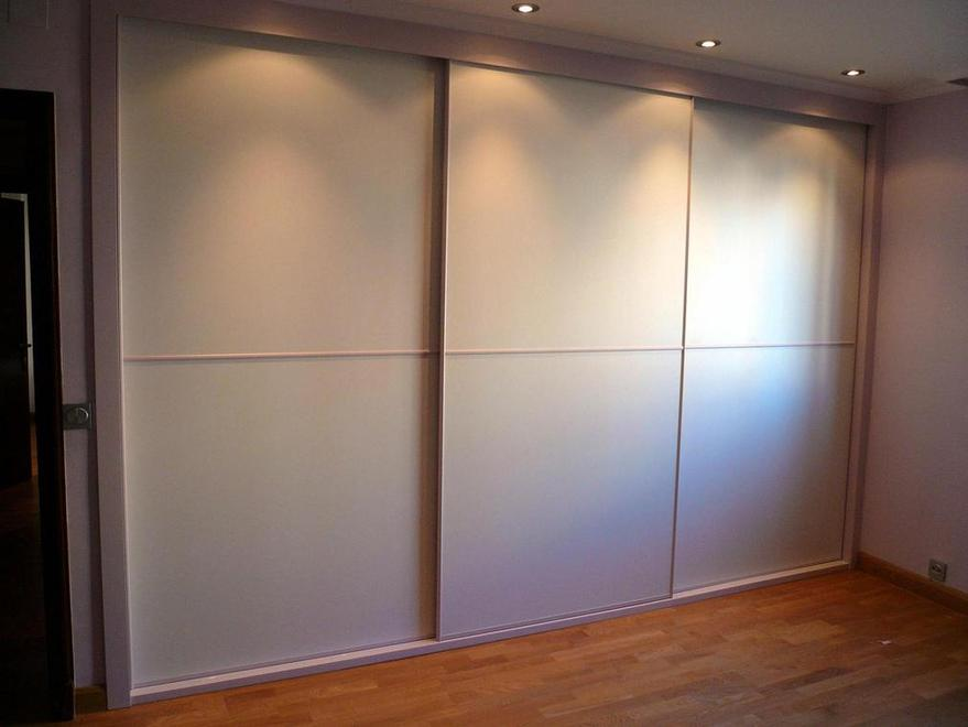 Distribuci n de muebles en un dormitorio - Armarios con espejo para dormitorio ...
